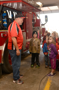 EVFD member Duane Miller talked to kids about fire prevention. E-R photo