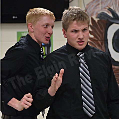 Kenny Bush and Alois Warner perform their State Championship duet in Elgin last week. Elgin Review photo