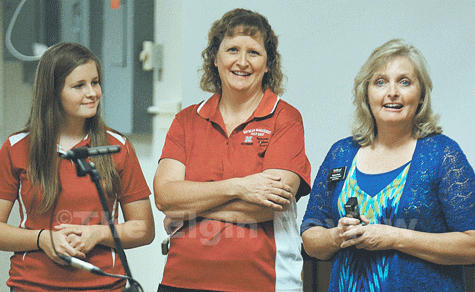 Elgin FFA President Marie Meis (l), her mother Anne Meis (c) and Northeast Community College Dean of Agriculture, Math & Science Corinne Morris (r). The Elgin Review